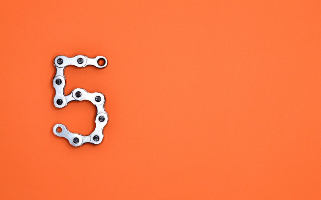 Photo of bicycle chain saying 5 by Miguel Á. Padriñán from Pexels